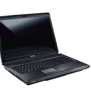 TOSHIBA SATELLITE L355D 1